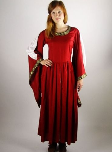 "Robe ""Aerinn"" (Rouge)"